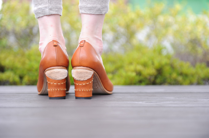 靴をデザインするだけではなく、「ひと」と「靴」の関係を追求していきたい。