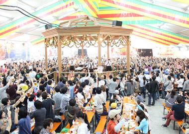 初夏の注目イベント・フェス9選に履いて行きたいオススメ靴! 横浜オクトーバーフェスト2012