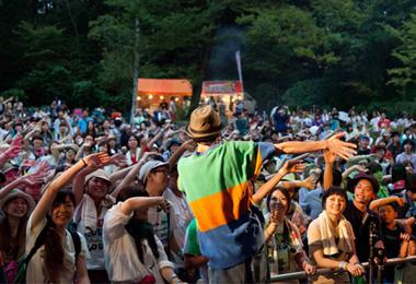 初夏の注目イベント・フェス9選に履いて行きたいオススメ靴! りんご音楽祭