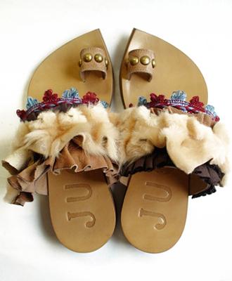 履くと特別な気持ちになる靴 JUCO./Gather:バルセロナマーケットサンダル