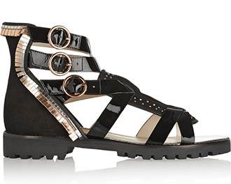 あの靴と旅に出よう~SOPHIA WEBSTERの新作サンダルでスコットランドへ