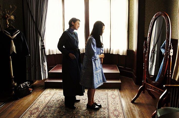 映画と靴『繕い裁つ人』頑固な2代目仕立屋・中谷美紀のこだわりブルー&マキシ丈