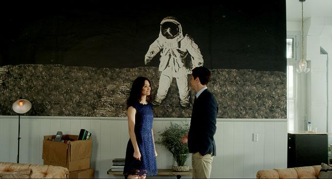 二人が結ばれる時空はどこに?感覚に訴えかけるロマンス映画『COMET/コメット』