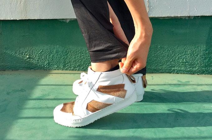 不要になったユーズドレザーが生まれ変わる!未来を考えさせられる「1点ものの量産靴」