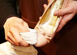【プロに聞くシューケア】革靴の雨対策Part1:濡れてしまった靴の正しい乾かし方